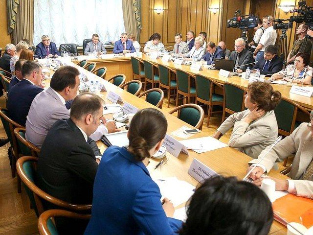 Руководитель  Минтруда Топилин: Наиндексацию пенсий работающим пенсионерам денежных средств  нет