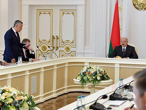 Лукашенко в гневе