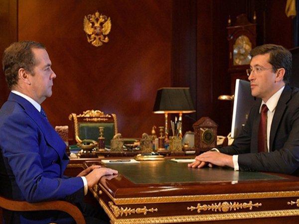 Медведев провел рабочую встречу впервые после исчезновения