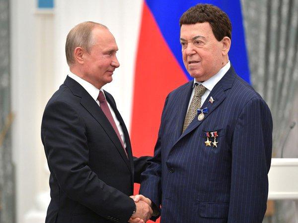 Песков допустил личное прощание Путина с Кобзоном