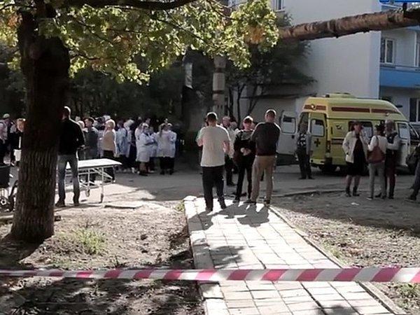 Оцепление вокруг колледжа в Керчи