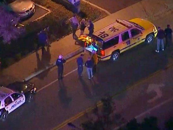 Службы спасения и полиция на месте стрельбы в Калифорнии