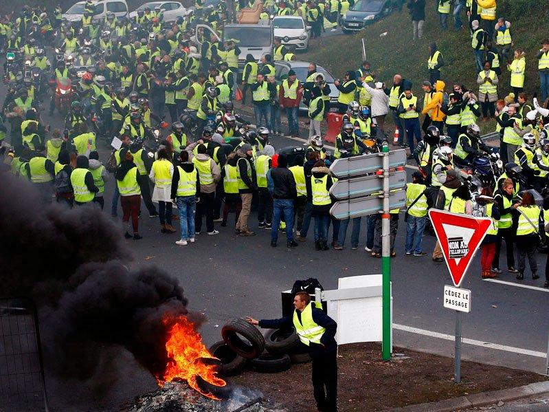 ВМВД Франции насчитали 84 тысячи участников акций «желтых жилетов»
