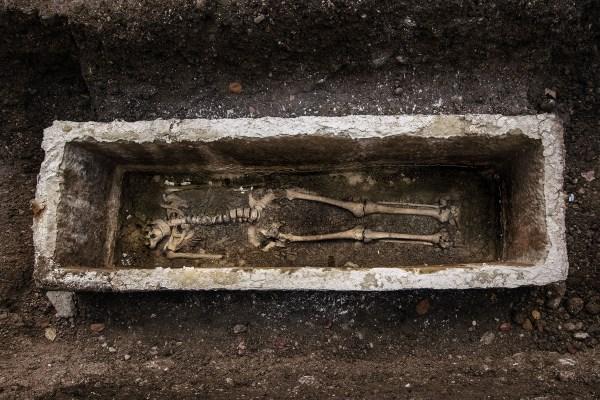 Захоронение знатной женщины найдено на античном кладбище в Словении