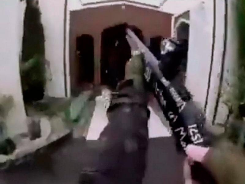 Сделали это в мечети