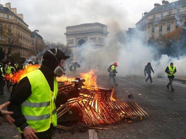 «Желтые жилеты» отметят полгода с начала акций новыми выступлениями