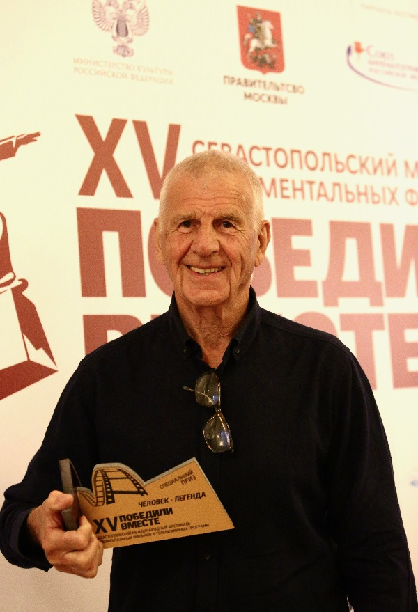 На кинофестивале «Победили вместе» отметили режиссера за выдающийся вклад в документальное кино
