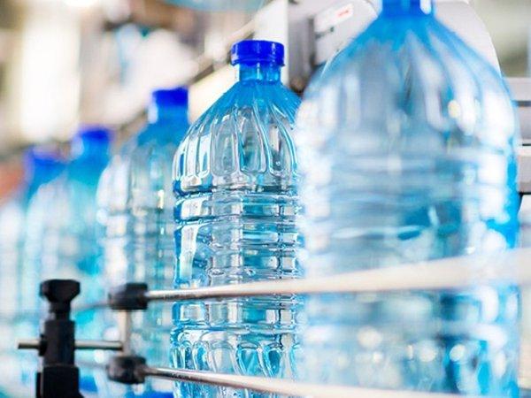 вода в бутылке, бутилированная вода, минеральная вода